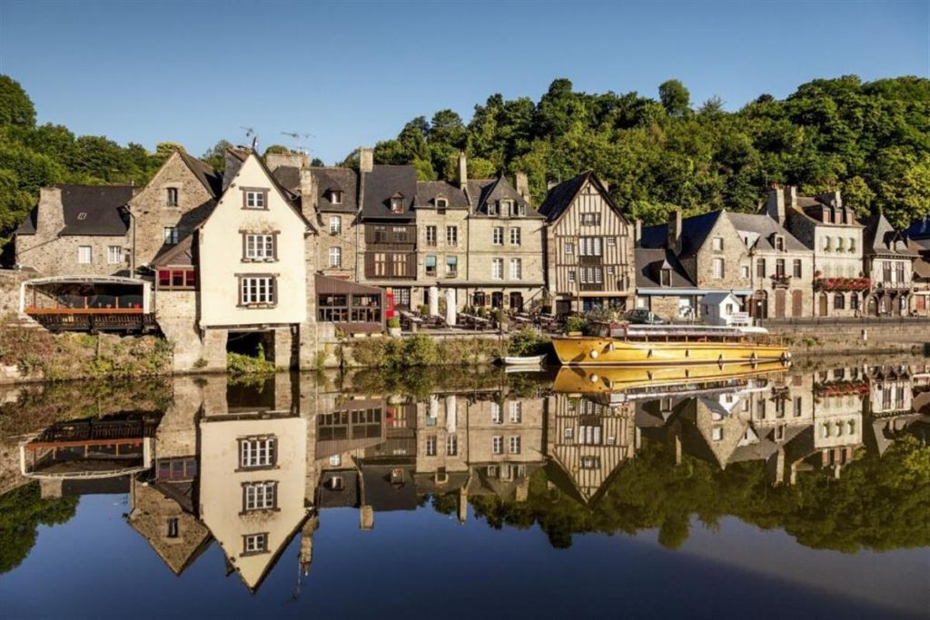 Vacances en famille en Bretagne : une région idyllique aux charmes spectaculaires